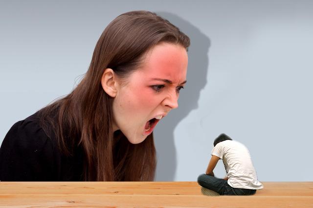 妻からのDVが急増中!離婚して夫が慰謝料を取れるケースも